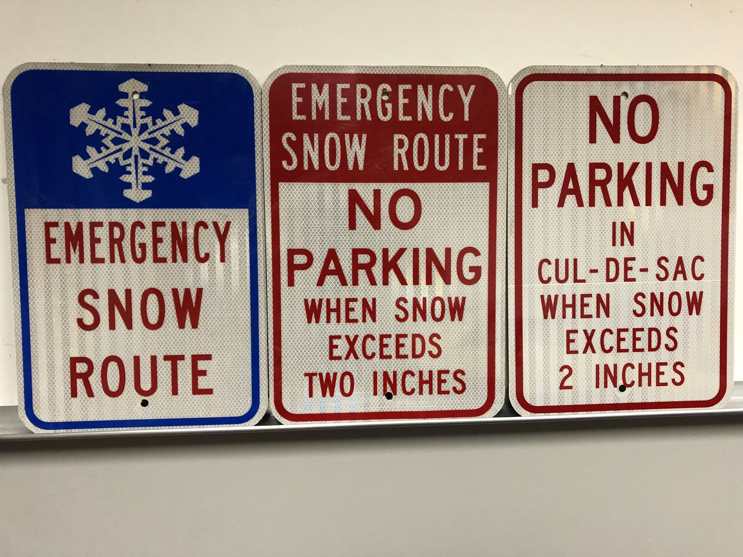 Emergency Snow Route Signs